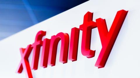 Comcast Celebrates Xfinity Store Grand Opening with Miami Heat Legend Glen Rice